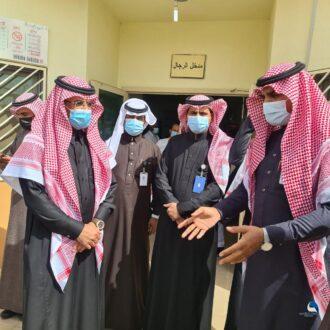 محافظ طبرجل يدشن مركز التطعيم ضد كورونا بمركز الصالحية بالمحافظة
